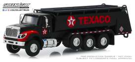 International  - WorkStar Tanker Truck 2018 black/red - 1:64 - GreenLight - 45080A - gl45080A | The Diecast Company