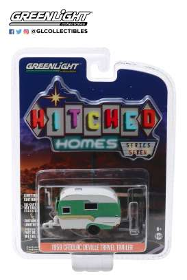 Catolac DeVille Travel Trailer  - 1959 white/green - 1:64 - GreenLight - 34070A - gl34070A | The Diecast Company