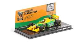 Benetton Ford - B193B 1993 yellow/green - 1:43 - Minichamps - 517935705 - mc517935705 | The Diecast Company