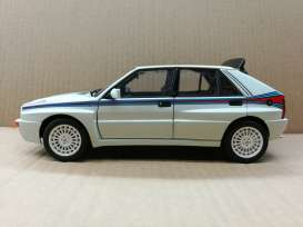 Lancia  - white/red/blue - 1:18 - Kyosho - 8344bw - kyo8344bw | The Diecast Company