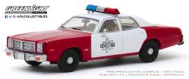 Dodge  - Monaco 1977 red/white - 1:43 - GreenLight - 86573 - gl86573 | The Diecast Company