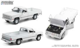 GMC  - K-2500 1982 white - 1:18 - GreenLight - 13562 - gl13562 | The Diecast Company