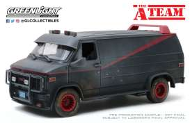 GMC  - Vandura 1983 grey/black - 1:18 - GreenLight - 13567 - gl13567 | The Diecast Company