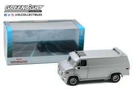 GMC  - Vandura 1983 silver - 1:18 - GreenLight - 13568 - gl13568 | The Diecast Company