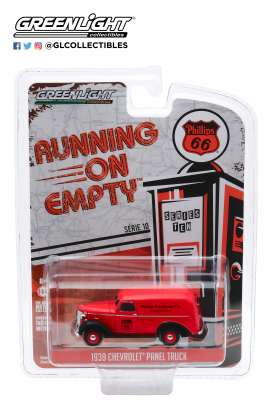 Chevrolet  - Panel Truck 1939 red/black - 1:64 - GreenLight - 41100A - gl41100A | The Diecast Company