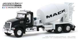 Mack  - Granite 2019 white/black - 1:64 - GreenLight - 45090B - gl45090B | The Diecast Company