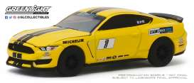 Ford  - Mustang 2018 yellow - 1:64 - GreenLight - 30134 - gl30134 | The Diecast Company