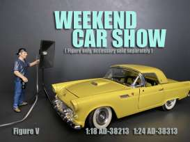 Figures  - Weekend Car Show 2019  - 1:24 - American Diorama - 38313 - AD38313 | The Diecast Company