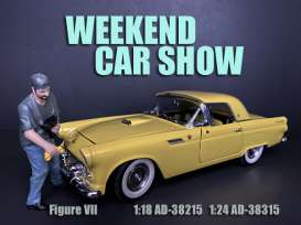 Figures  - Weekend Car Show. 2019  - 1:18 - American Diorama - 38215 - AD38215 | The Diecast Company