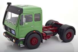 Mercedes Benz  - 1973 green/dark red - 1:18 - Road Kings - 180042 - rk180042 | The Diecast Company