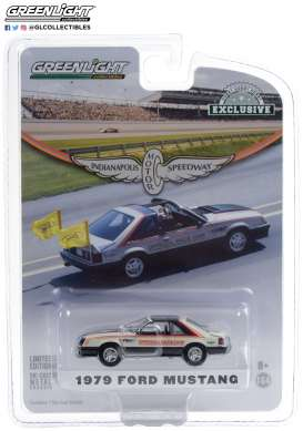 Ford  - Mustang 1979 white/black - 1:64 - GreenLight - 30166 - gl30166 | The Diecast Company
