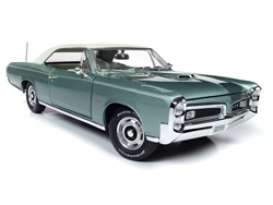 Pontiac  - GTO Hardtop 1966 green - 1:18 - Auto World - AMM1192 - AMM1192 | The Diecast Company