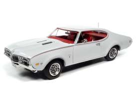 Oldsmobile  - Cutlass 1968 white - 1:18 - Auto World - AMM1208 - AMM1208 | The Diecast Company