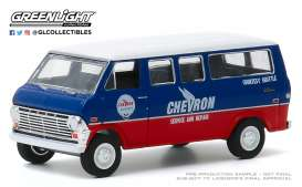 Ford  - Club Wagon 1970 blue/red - 1:64 - GreenLight - 35160A - gl35160A | The Diecast Company