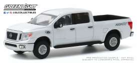 Nissan  - Titan 2019 white - 1:64 - GreenLight - 35160F - gl35160F | The Diecast Company