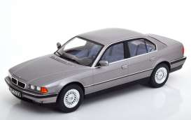 BMW  - 740i E38 1994 grey - 1:18 - KK - Scale - 180363 - kkdc180363 | The Diecast Company