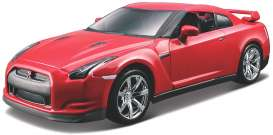 Nissan  - GT-R red - 1:32 - Bburago - 43053 - bura43053 | The Diecast Company