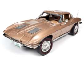 Chevrolet  - Corvette 1963 tan - 1:18 - Auto World - AMM1222 - AMM1222 | The Diecast Company
