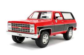 Chevrolet  - K5 Blazer 1980 red/black - 1:24 - Jada Toys - 31593 - jada31593 | The Diecast Company