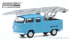 Volkswagen  - Type 2 1973 blue - 1:64 - GreenLight - 30000D - gl30000D | The Diecast Company