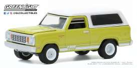 Dodge  - Macho  1977 green/white - 1:64 - GreenLight - 35170B - gl35170B | The Diecast Company