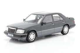Mercedes Benz  - E-Klasse blue - 1:18 - iScale - 1180000054 - iscale1180054 | The Diecast Company