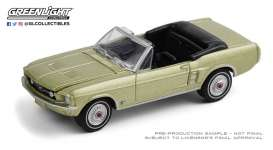 Ford  - Mustang 1967 gold - 1:64 - GreenLight - 30215 - gl30215 | The Diecast Company