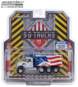 Mack  - Granite 2019 red/white/blue - 1:64 - GreenLight - 45110C - gl45110C | The Diecast Company