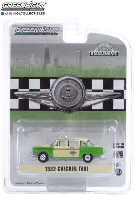 Checker  - 1982 creme/green - 1:64 - GreenLight - 30208 - gl30208 | The Diecast Company