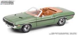 Dodge  - Challenger 1970 green/tan - 1:18 - GreenLight - 13586 - gl13586 | The Diecast Company
