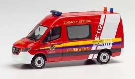 Mercedes Benz  - Sprinter red - 1:87 - Herpa - H095358 - herpa095358 | The Diecast Company