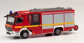 Mercedes Benz  - Atego red - 1:87 - Herpa - H095327 - herpa095327 | The Diecast Company