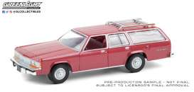 Ford  - LTD Crown 1981 red - 1:64 - GreenLight - 36010F - gl36010F | The Diecast Company
