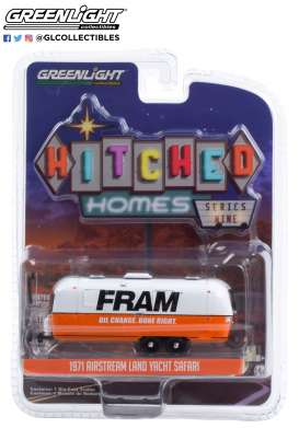 Airstream  - Double-Axle 1971 white/orange - 1:64 - GreenLight - 34090B - gl34090B | The Diecast Company