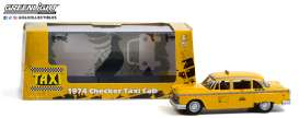 Checker  - 1974 yellow - 1:43 - GreenLight - 86601 - gl86601 | The Diecast Company