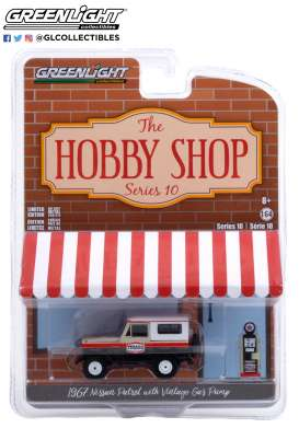 Nissan  - Patrol 1967 white/red/black - 1:64 - GreenLight - 97100A - gl97100A | The Diecast Company