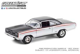 Plymouth  - GTX 1968 silver/black - 1:64 - GreenLight - 37220A - gl37220A | The Diecast Company