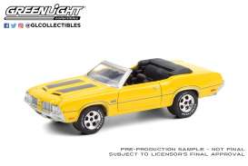 Oldsmobile  - 442 1970 yellow/black - 1:64 - GreenLight - 37220C - gl37220C | The Diecast Company
