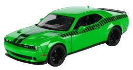 Dodge  - Challenger 2018 green - 1:24 - Motor Max - 73786 - mmax73786 | The Diecast Company