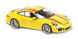 Porsche  - 911  2016 yellow/red - 1:43 - Minichamps - 940066221 - mc940066221 | The Diecast Company