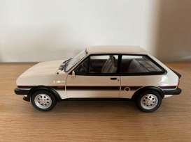 Ford  - Fiesta XR2 1981 white  - 1:18 - Norev - 182742 - nor182742 | The Diecast Company