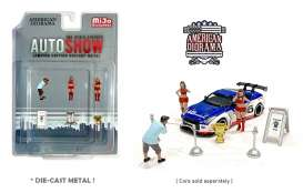Figures  - Auto Show 2020  - 1:64 - American Diorama - 38411 - AD38411 | The Diecast Company