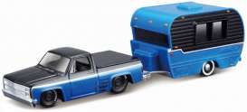 Chevrolet  - 1500 1987 black/blue - 1:64 - Maisto - 15368-11 - mai15368-11 | The Diecast Company
