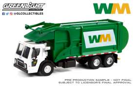 Mack  - LR Refuse 2020 white/green - 1:64 - GreenLight - 45120C - gl45120C | The Diecast Company