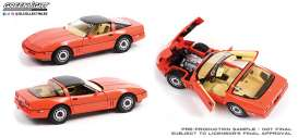 Chevrolet  - Corvette C4 Limited Edition 1984 hugger orange - 1:18 - GreenLight - 13595 - gl13595 | The Diecast Company
