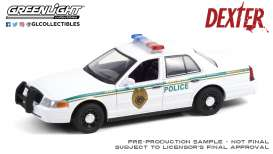 Ford  - Crown Victoria 2001 white - 1:24 - GreenLight - 84133 - gl84133 | The Diecast Company