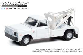 Chevrolet  - C-30 1968 white - 1:64 - GreenLight - 46070A - gl46070A | The Diecast Company