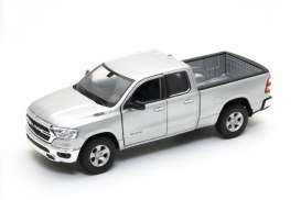 Ram  - 1500 2019 silver - 1:24 - Welly - 24104 - welly24104s | The Diecast Company
