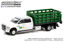 Ram  - 3500 Dually 2018 white/green - 1:64 - GreenLight - 46070E - gl46070E | The Diecast Company