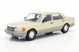 Mercedes Benz  - S-Klasse green/grey - 1:18 - iScale - 1180000061 - iscale1180061 | The Diecast Company